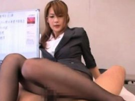 Busty office slut gets some nice thick cock in her juicy gap